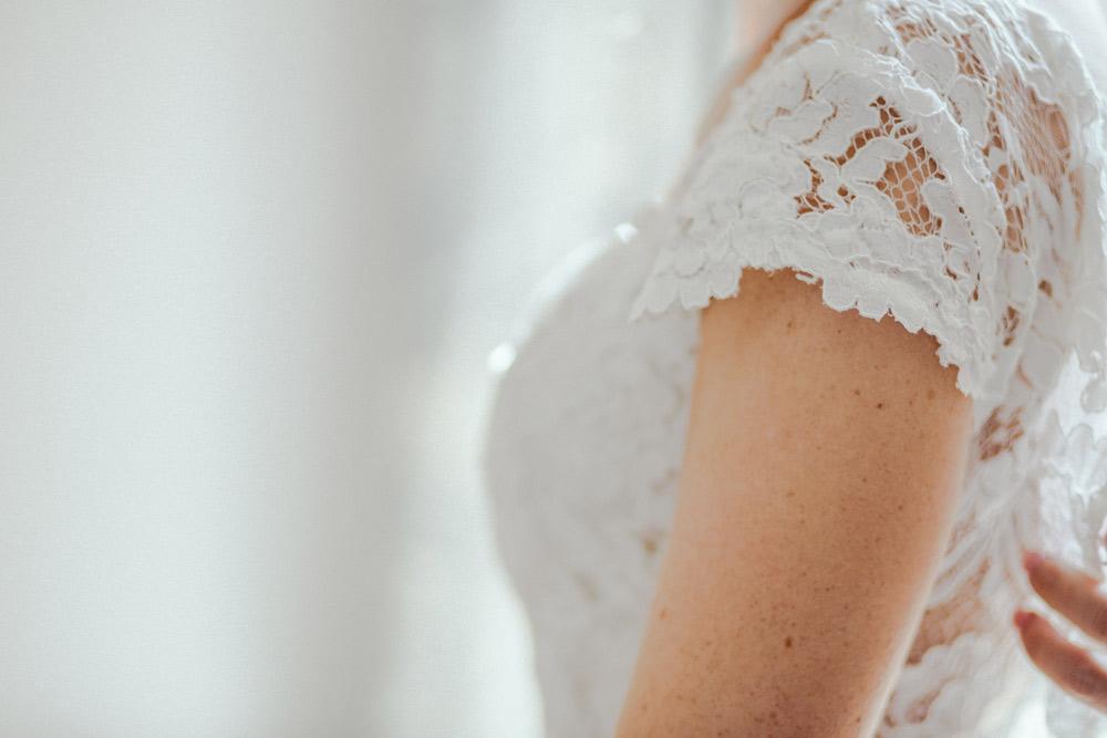 Kupno i sprzedaż sukni ślubnej jako osoba prywatna. Poradnik
