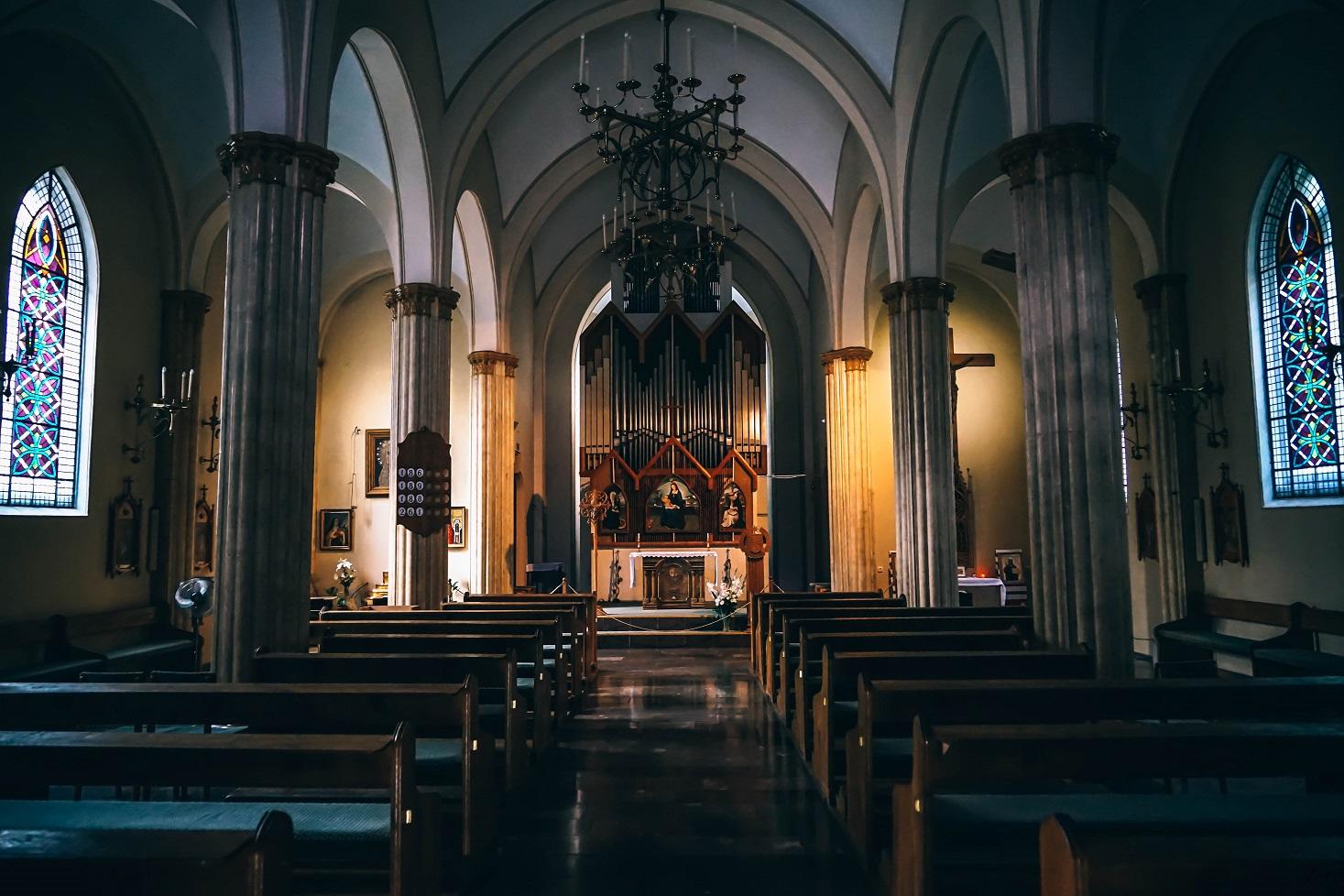 Zaślubiny bez nabożeństwa nazywane są często skróconą mszą.