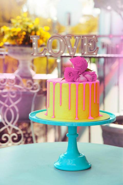 Podświetlana ozdoba na tort od Malinowej Bezy