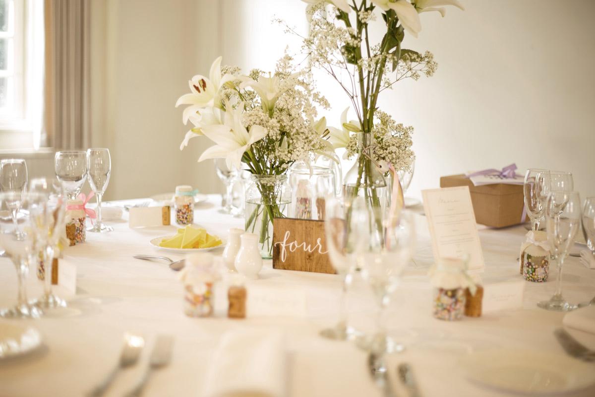 Kiedy rozdawać zaproszenia na ślub i wesele? Poradnik